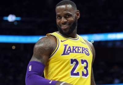 nba科比新闻 成为NBA历史最年轻32000分先生